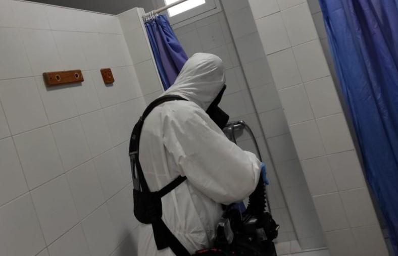 El Tercio de Armada desinfecta el comedor social El Pan Nuestro y el albergue de San Vicente de Paul