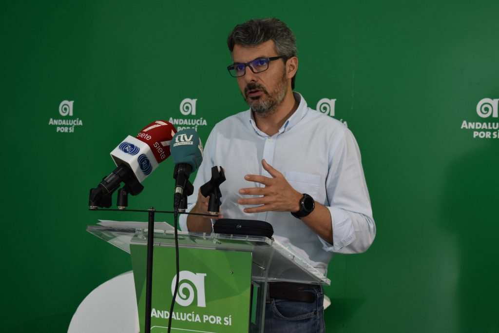 """Romero: """"El gobierno sigue alejándose de la realidad"""""""