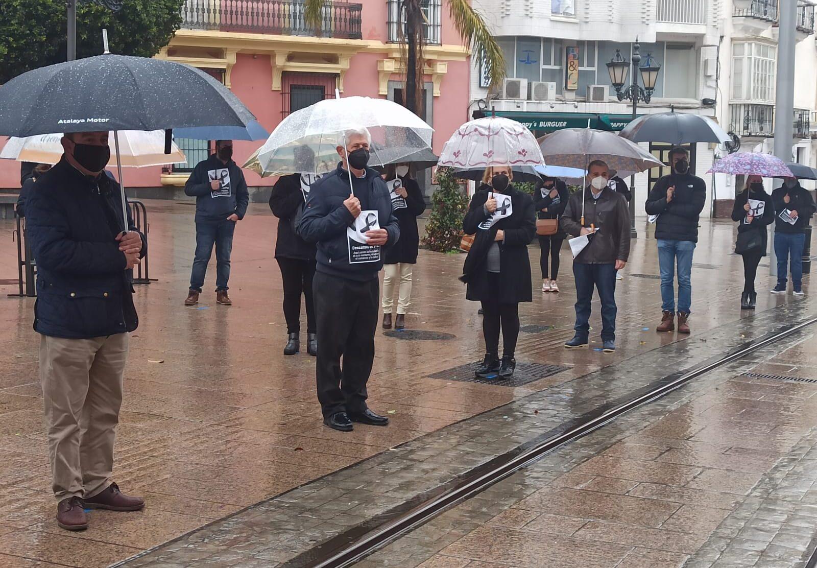 El PP lamenta la ausencia de Cavada en la manifestación de los hosteleros y comerciantes