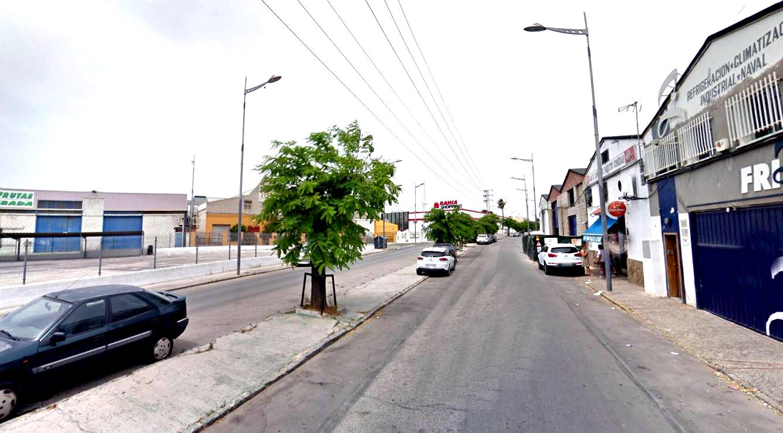 Propietarios y empresarios de Fadricas I manifestan por las obras de la calle Ferrocarril