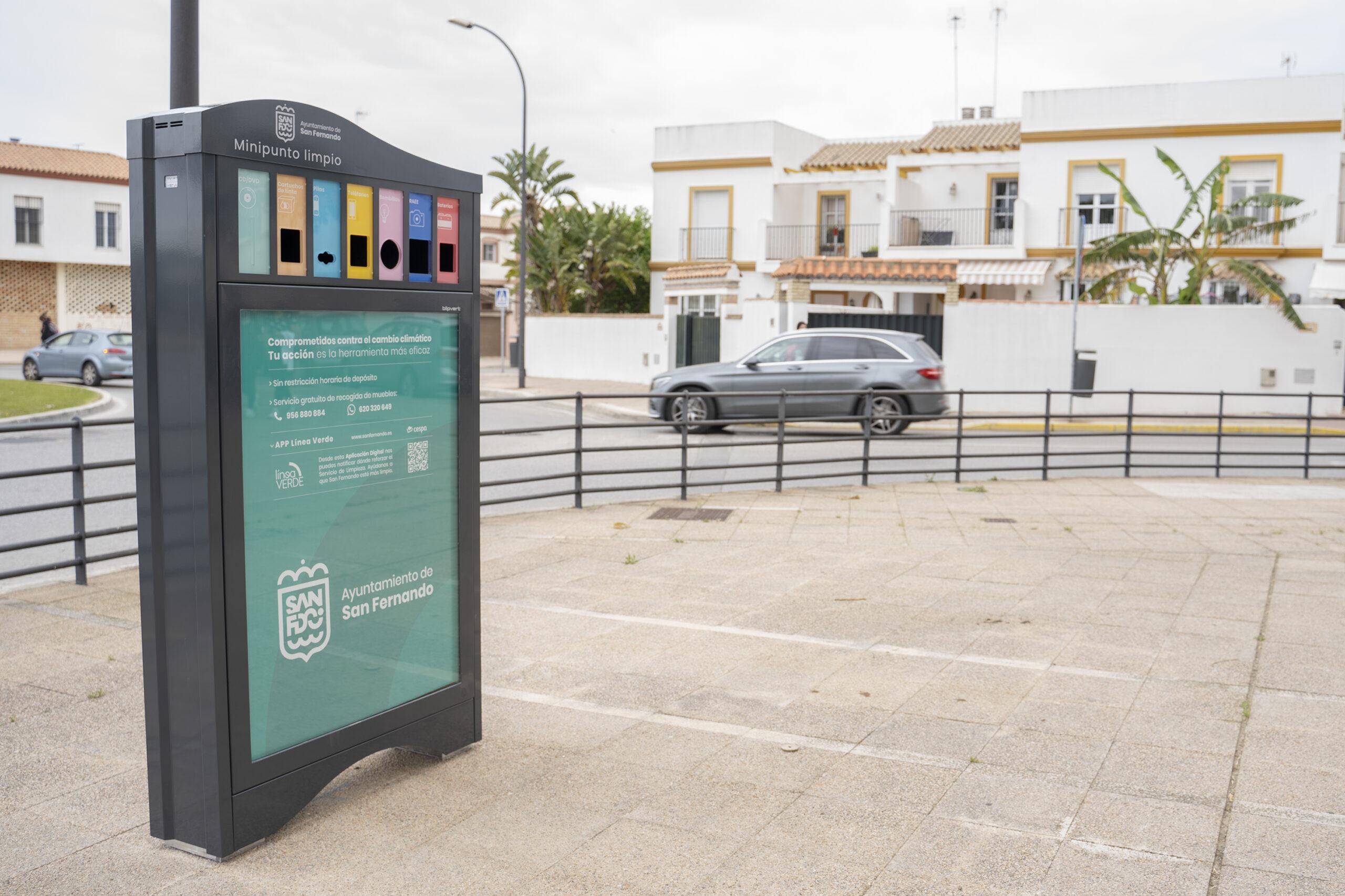 Instalados 5 minipuntos limpios en la ciudad para el reciclaje