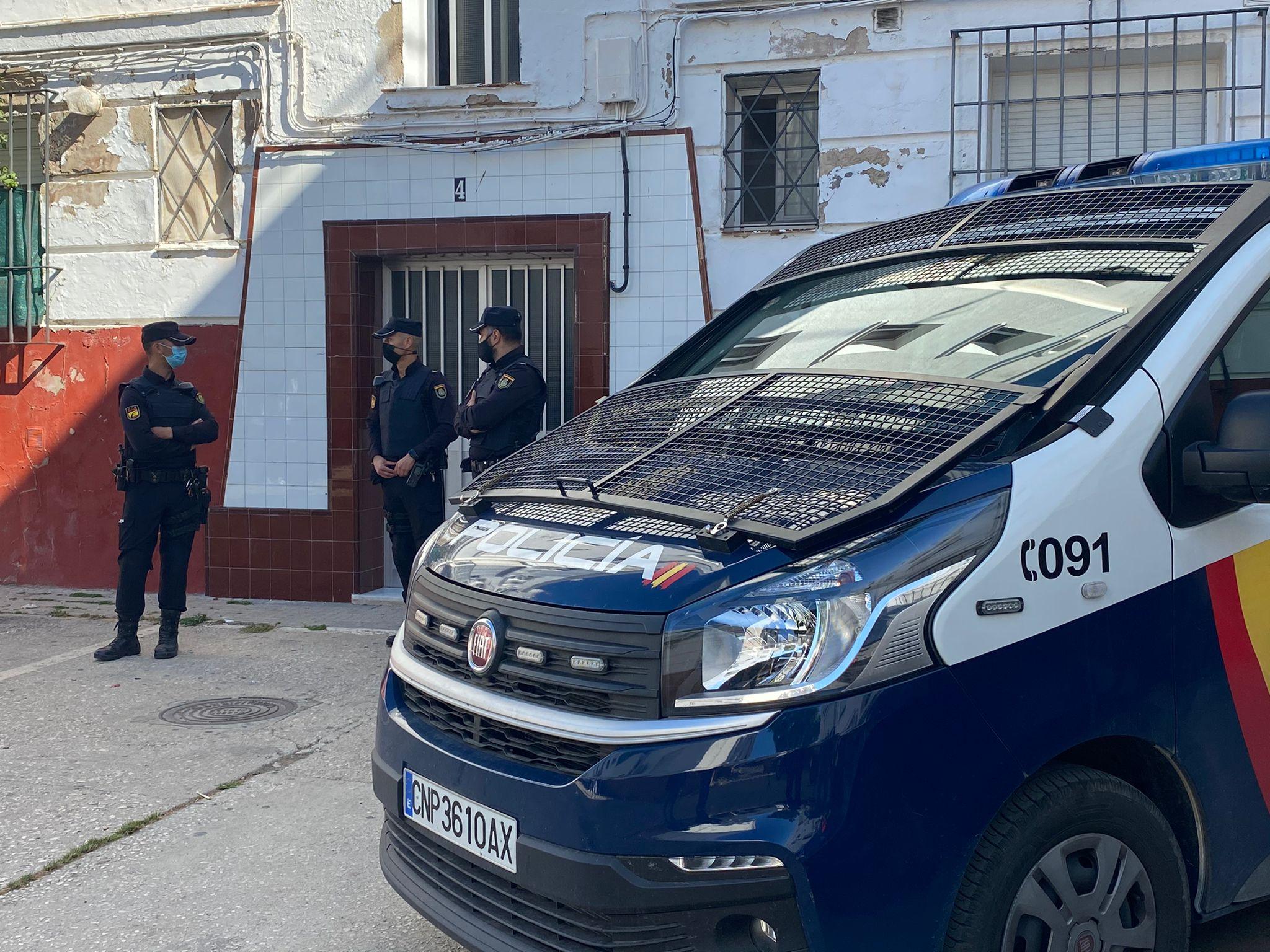 Ocho registros en San Fernando en una operación antidroga de la Policía Nacional