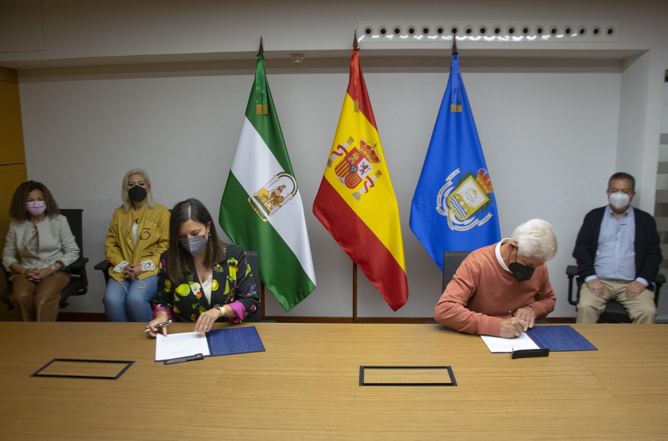 Firmado dos convenios con la Peña Camarón y Chato de la Isla para la promoción del flamenco