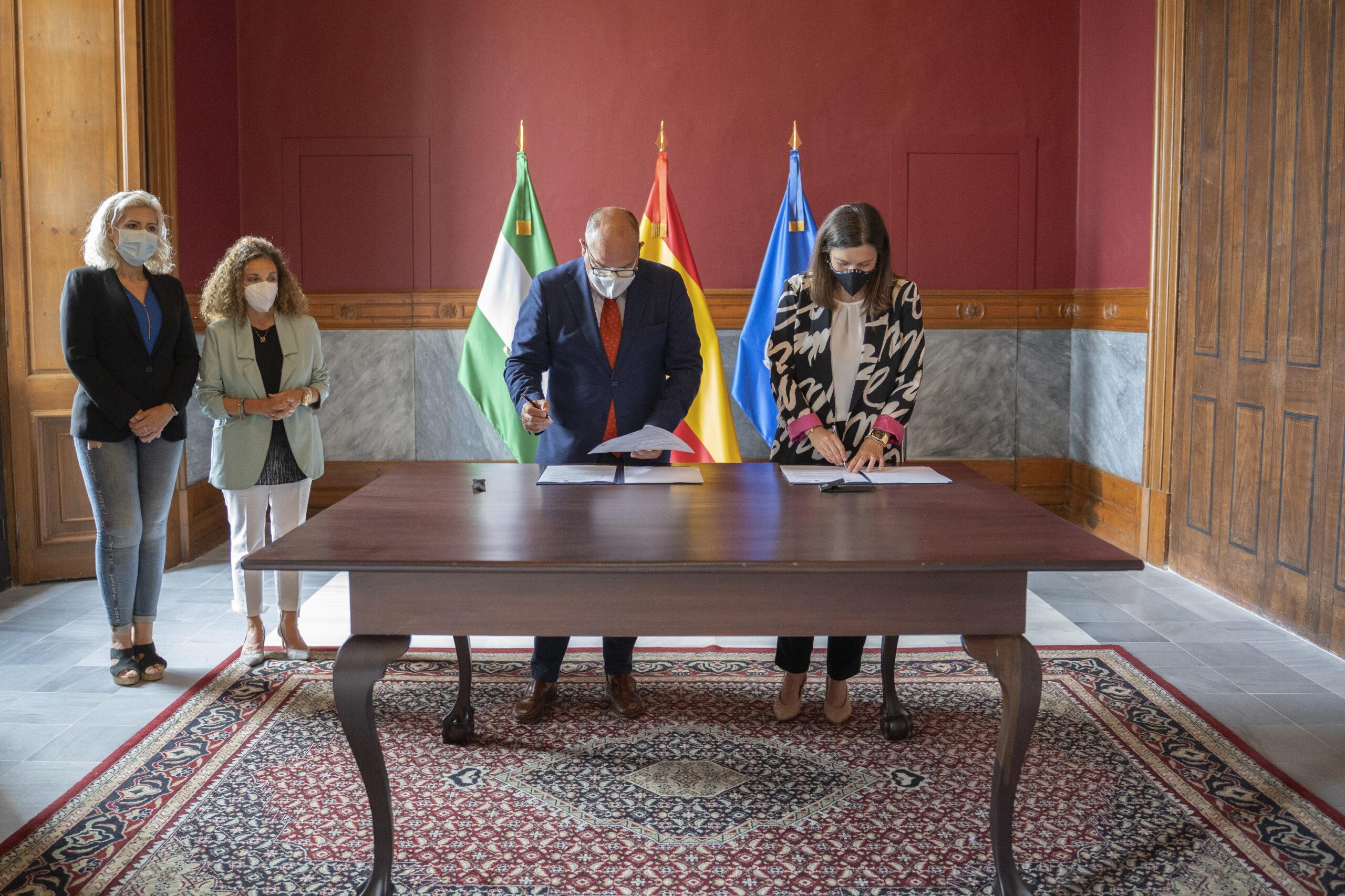 Ayuntamiento y Consejo de Hermandades renuevan su convenio de colaboración